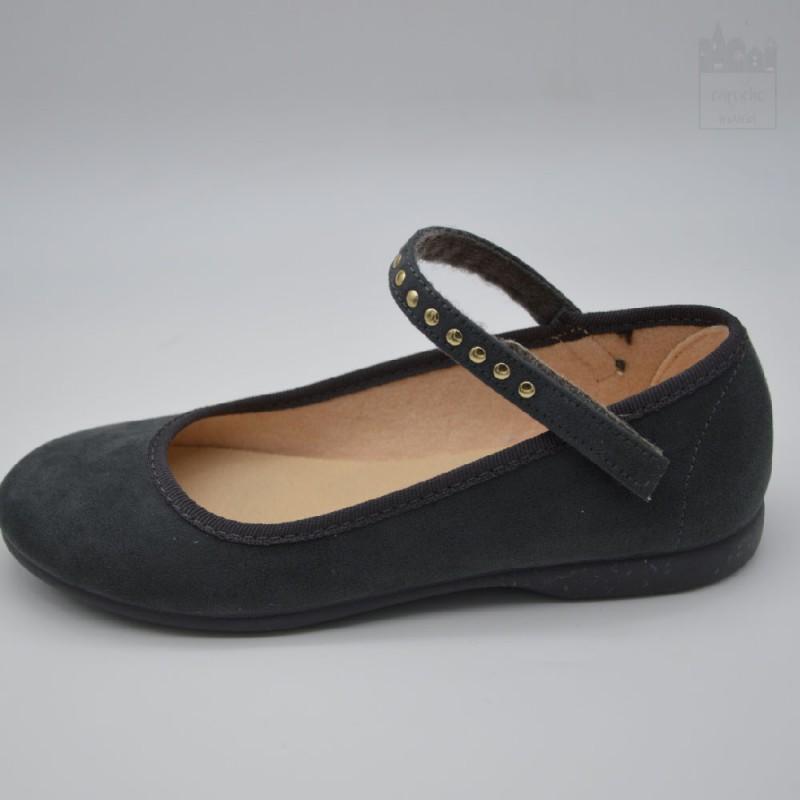 Zapato con tachuelas Tokolate